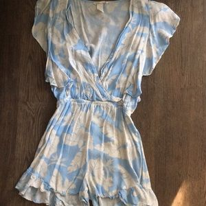 ‼️DONATING BY 10/24‼️ H&m floral ruffle romper